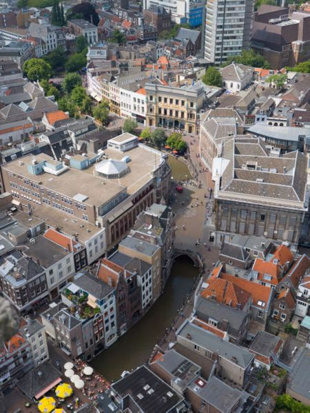 450px-utrecht_canals_aerial_view_-_july_2006